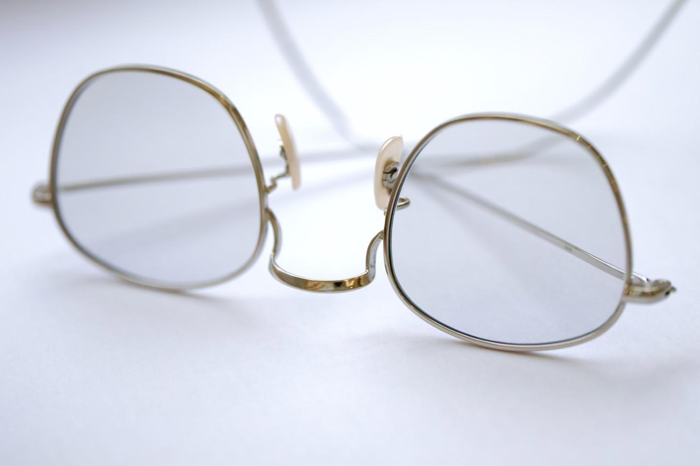 オンラインショップでの度付き眼鏡の注文方法について