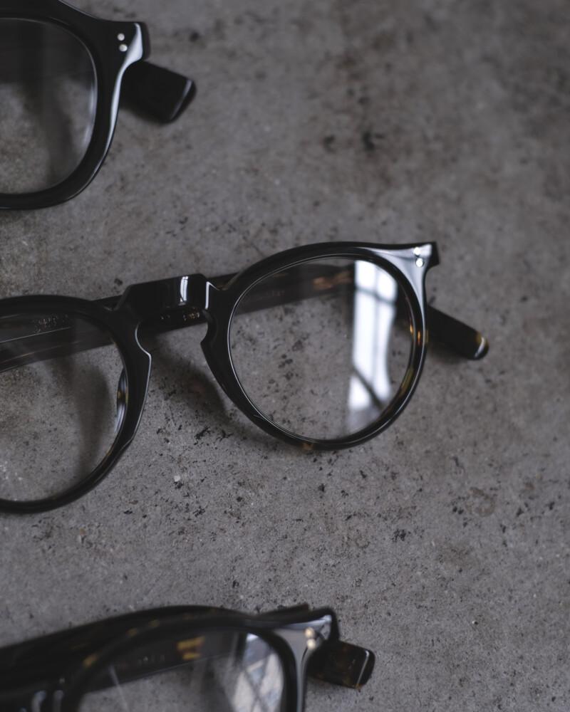 眼鏡のレンズが曇ってしまう方へ -曇り止めレンズのご紹介-